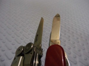 LEATHERMAN-vs-Victorinox5