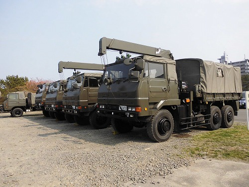 jsdf-truck2