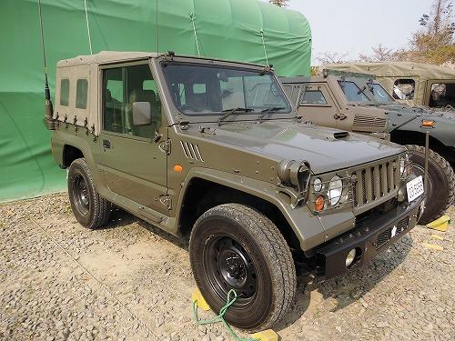陸上自衛隊 車両 73式小型トラッ...