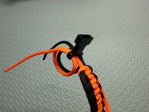 parachute-cord77